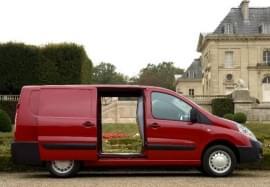 Citroën Jumpy von der Seite
