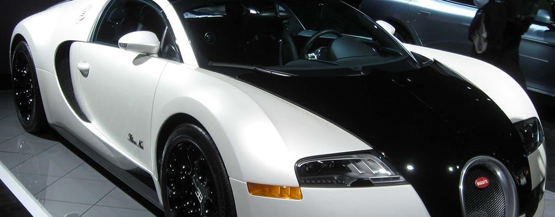 bugatti veyron gebraucht kaufen bei autoscout24. Black Bedroom Furniture Sets. Home Design Ideas