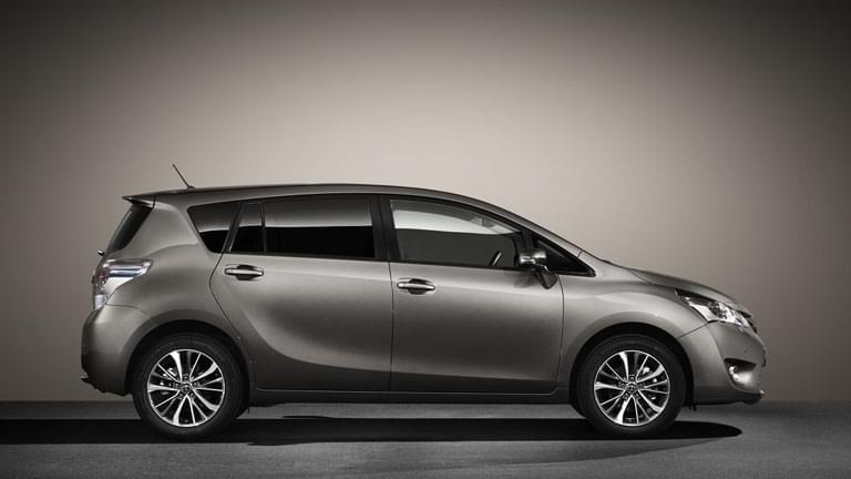 Toyota Verso Nieuw Model >> Toyota Verso gebraucht kaufen bei AutoScout24