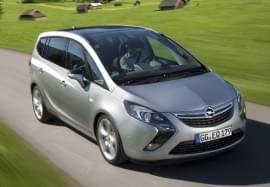 Opel Zafira von vorn