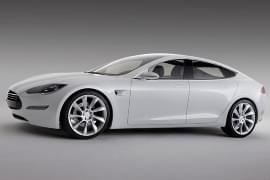 Tesla Model S von der Seite