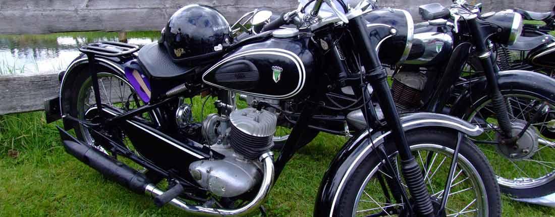 oldtimer motorrad kaufen und verkaufen autoscout24. Black Bedroom Furniture Sets. Home Design Ideas