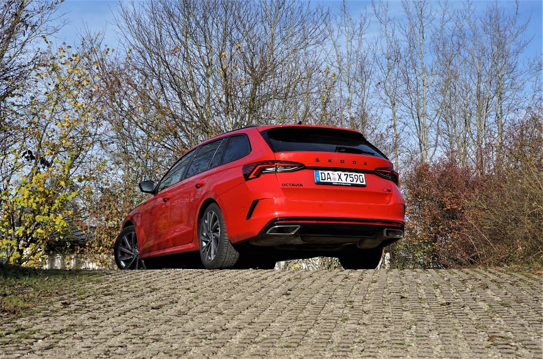 Skoda Octavia Rs Tsi In The First Test Hot Hatch With Extension Siam Insight