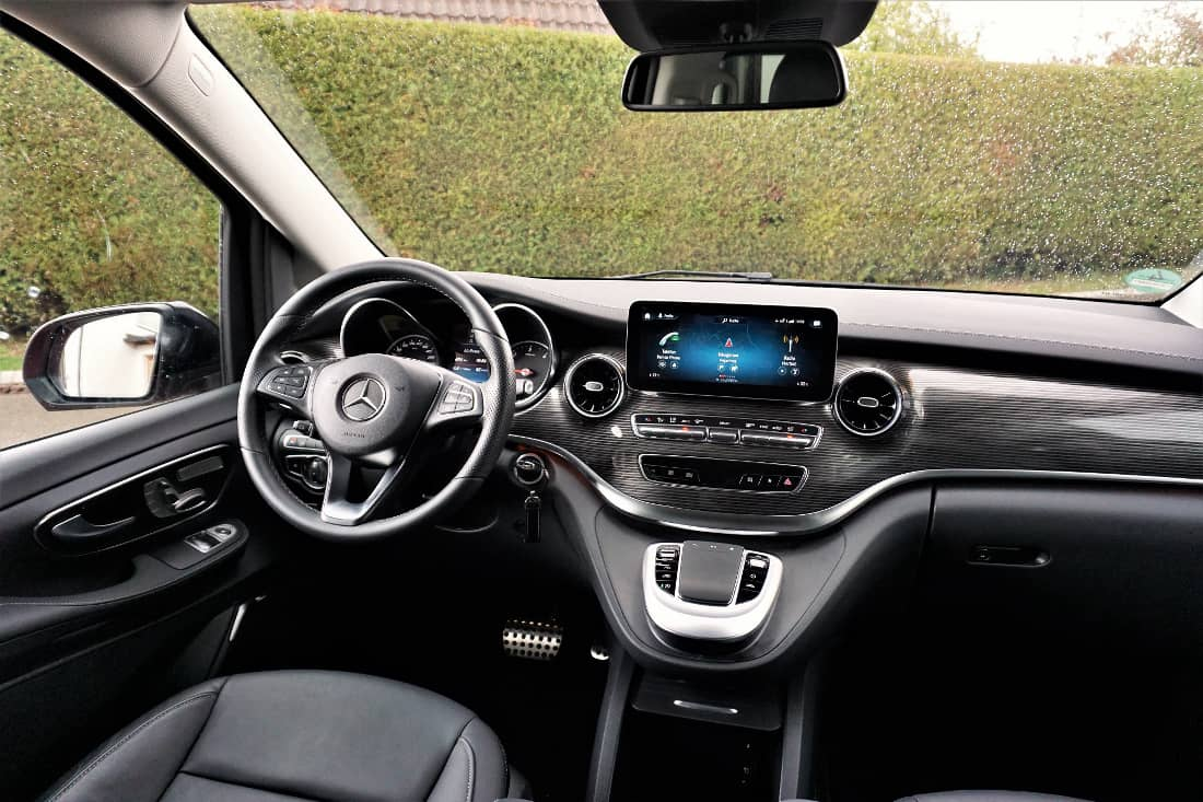 Mercedes-Benz V-Class V300d Int Cockpit