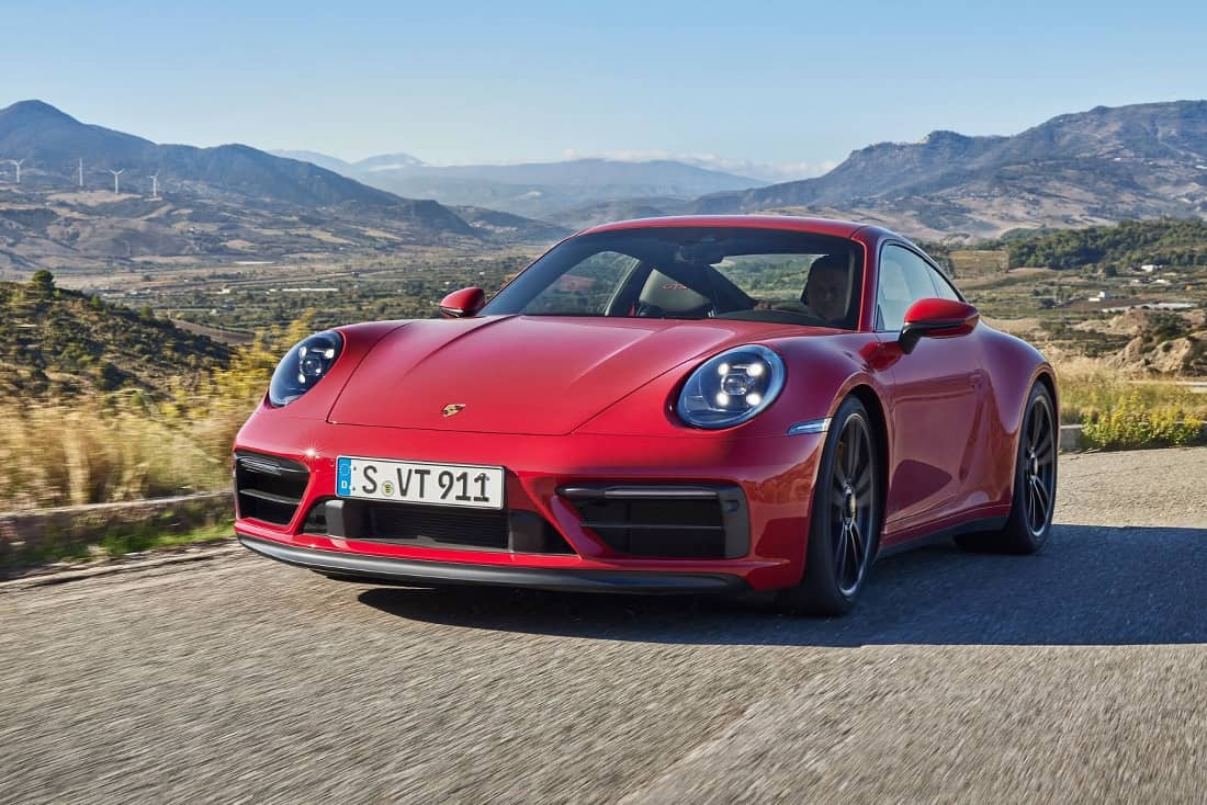 Porsche-911-GTS-2021-front