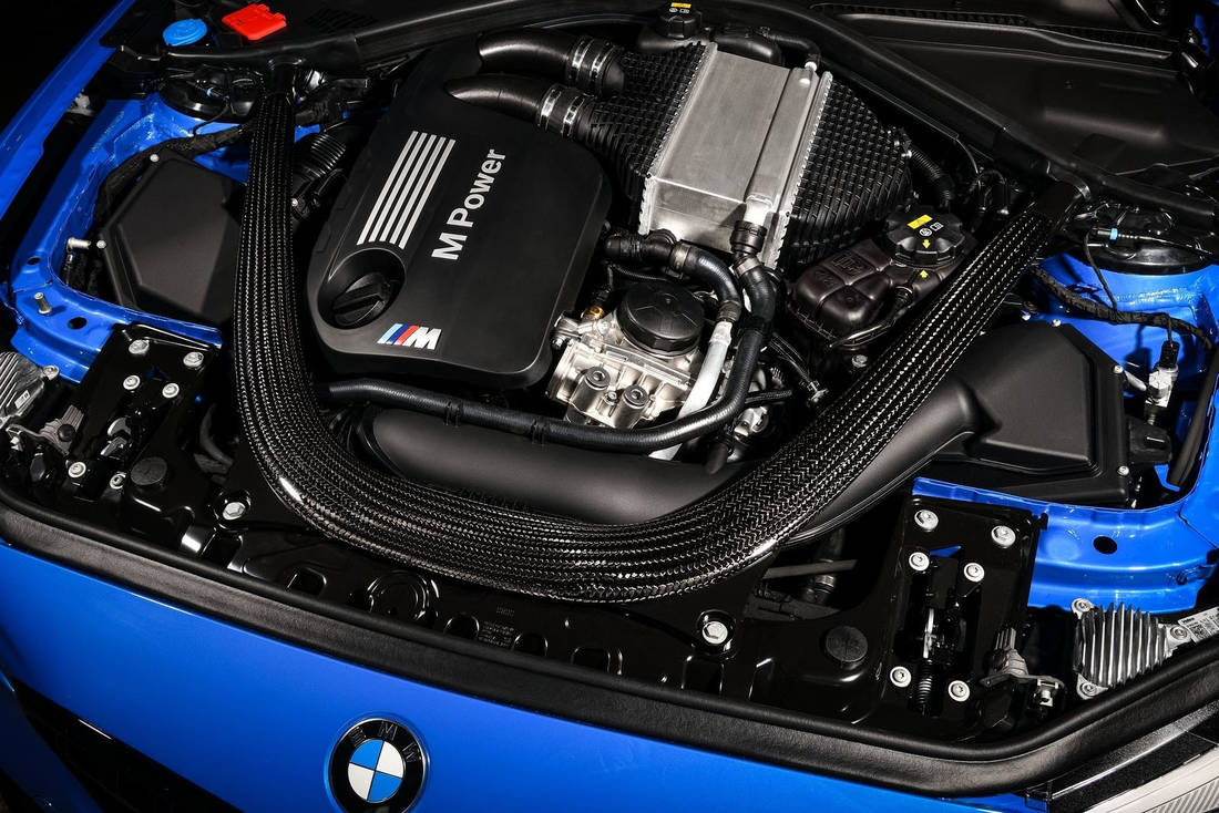 BMW-M2-CS-Engine