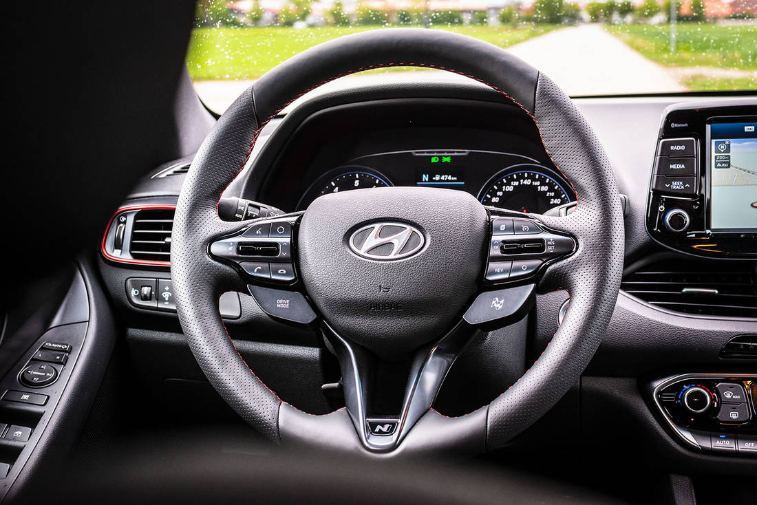 Hyundai-i30-Fastback-N-Performance-interior