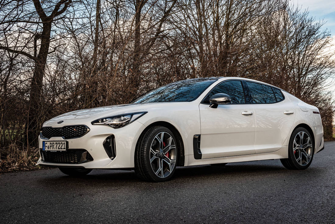Kia-Stinger-GT-Front-Side