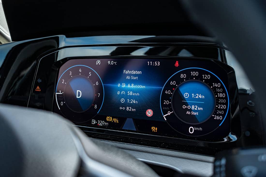 VW-Golf-8-eTSI-VC