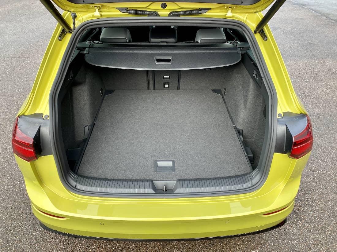 VW Golf 8 Variant Int trunk