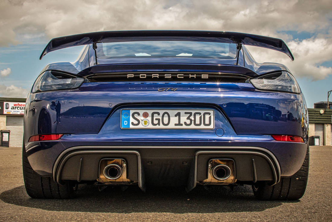 Porsche-718-Cayman-GT4-Rear