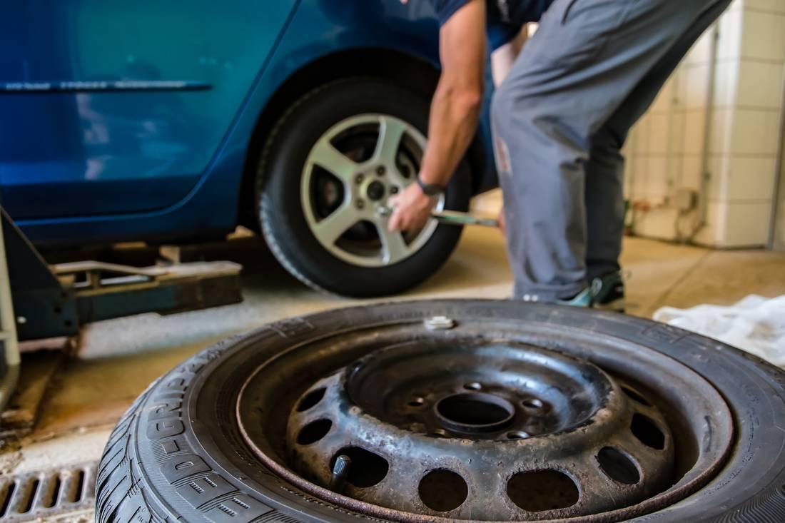 Altreifenentsorgung So Entsorgen Sie Alte Reifen Richtig