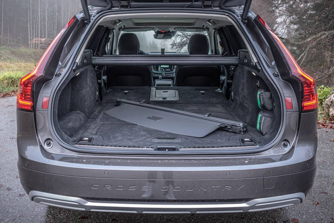 Volvo V90 Cross Country Trunk