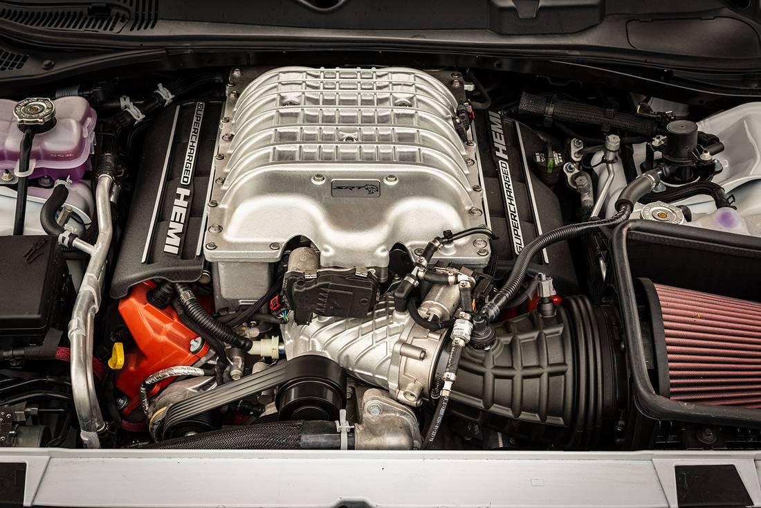 dodge hellcat engines Test Dodge Challenger SRT Hellcat 2 - AutoScout2