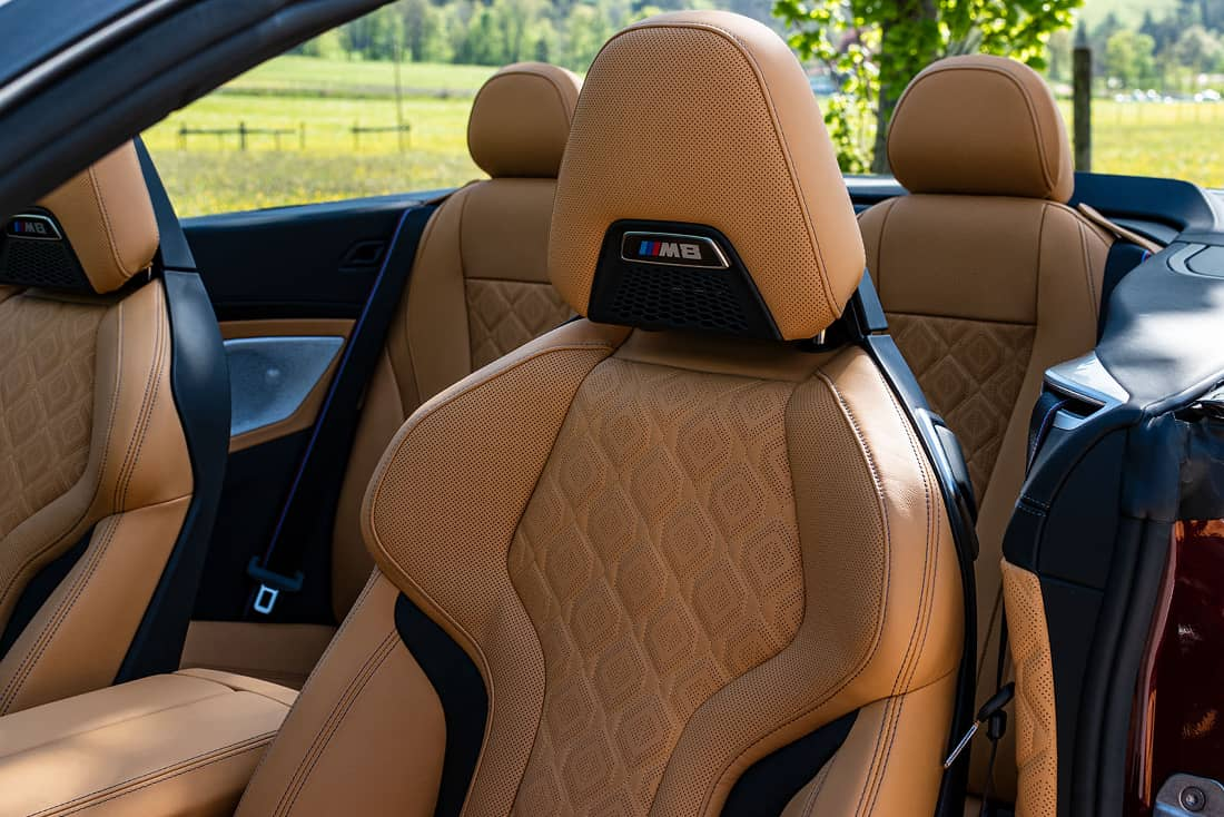 BMW-M8-Competition-Cabrio-Seats