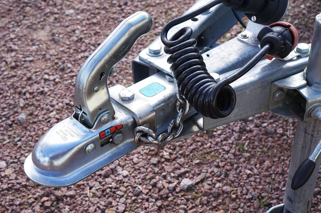 acquista il più recente godere di un prezzo economico buona consistenza Come ottenere l'omologazione del gancio traino - AutoScout24 ...