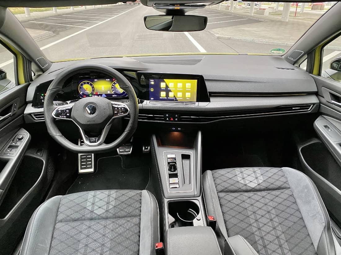 VW Golf 8 Variant Int Cockpit