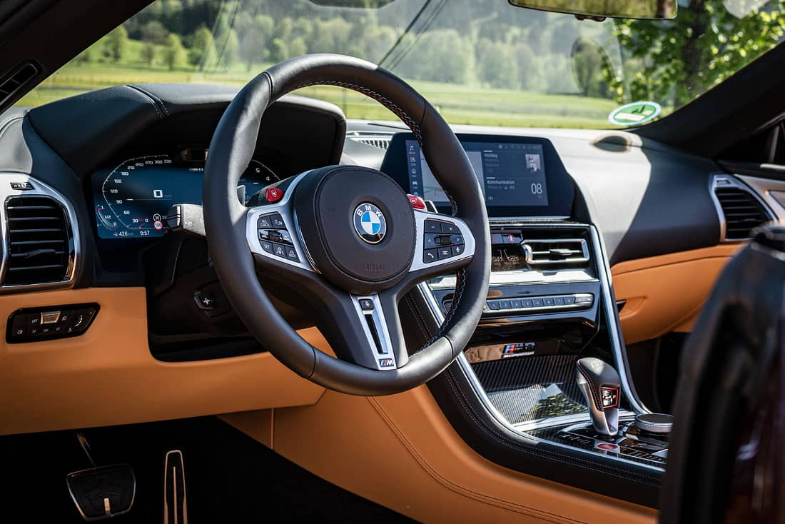 BMW-M8-Competition-Cabrio-Interieur