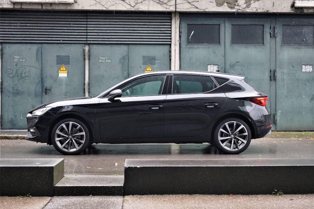 Seat Leon FR e-Hybrid 2020 profiles