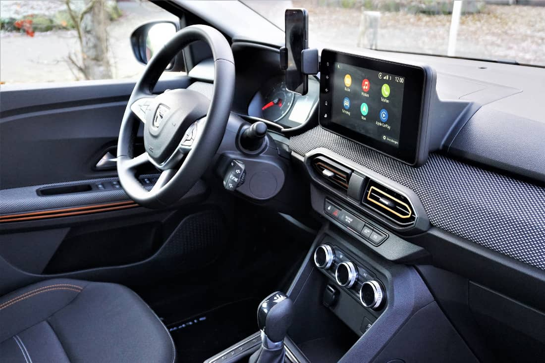 Dacia Sandero Stepway 2021 Int cockpit from the right