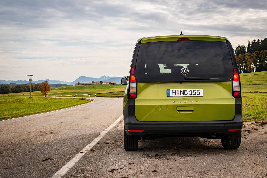 Volkswagen-Caddy-V-Rear