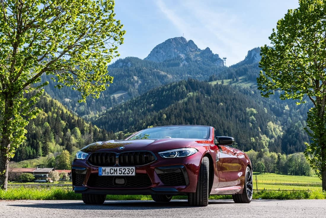 BMW-M8-Competition-Cabrio-Front-Mountain