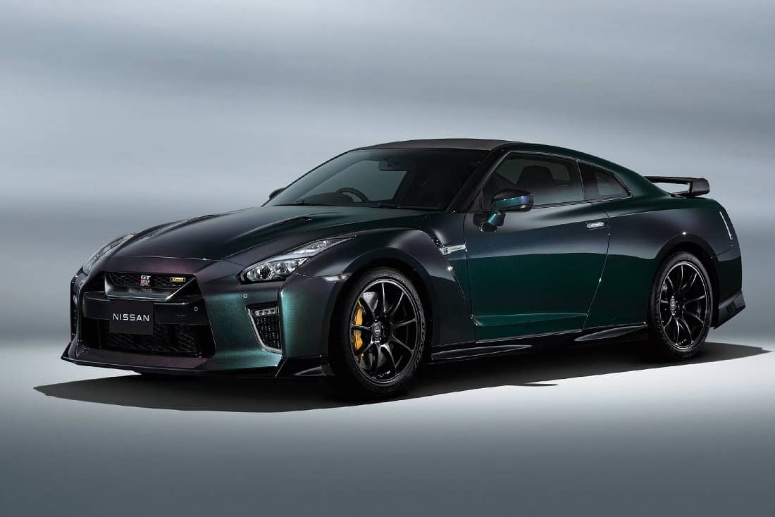 Nissan-GT-R-2022-front