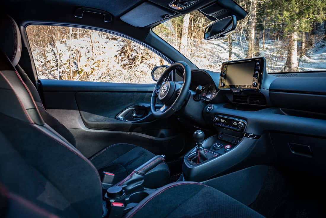 Toyota-GR-Yaris-2021-cockpit
