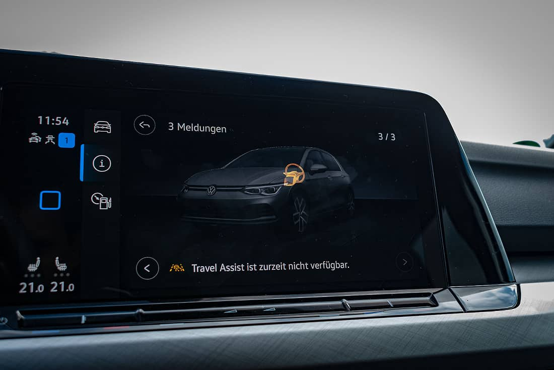 VW-Golf-8-eTSI-Assist